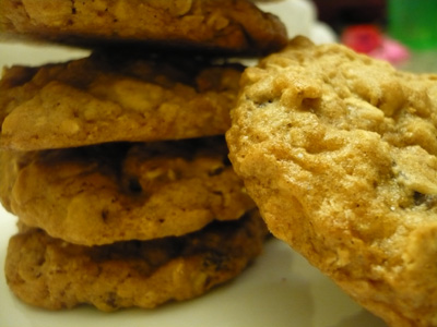 oatmeal-chocolate-tofee-cookies.jpg